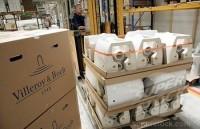 Praca przy produkcji ceramiki sanitarnej w Niemczech