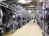 Praca w Niemczech na magazynie przy komisjonowaniu odzieży- komisjoner