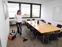 Dam fizyczną pracę w Niemczech dla sprzątaczy i sprzątaczek w hotelu Berlin