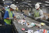 Dla par bez języka fizyczna praca Niemcy Frankfurt nad Menem recykling 2016
