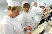 Bez języka praca w Niemczech pomoc kuchenna w restauracji od zaraz Berlin