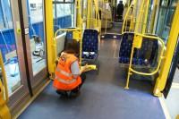 Fizyczna praca Niemcy bez języka przy sprzątaniu tramwajów od zaraz Monachium
