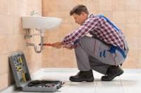 Hydraulik do pracy w Niemczech na budowie przy montażu instalacji sanitarnych